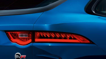 Jaguar F-Pace SVR - rear light