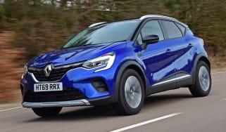 Renault Captur driving