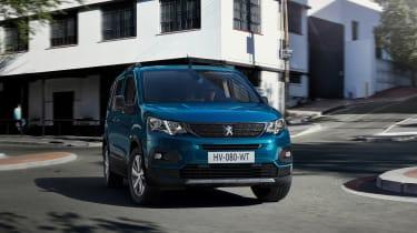 Peugeot e-Rifter - cornering