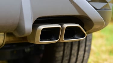 Hyundai Tucson - exhaust