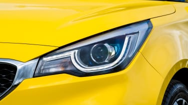 MG3 - headlight