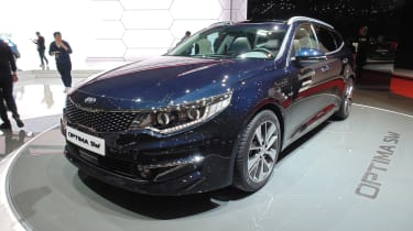 Kia Optima SW Geneva - front three quarter