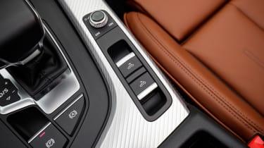 Audi A5 Cabriolet - roof control