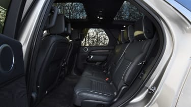 Land Rover Discovery Mk5 - rear seats