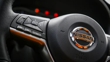 Nissan Kicks SUV - steering wheel