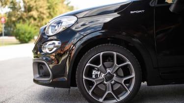 Fiat 500 X Sport - wheel