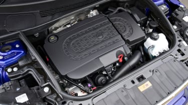 MINI Cooper SD Paceman engine