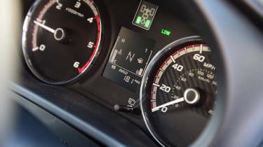 Mitsubishi L200 - speedo