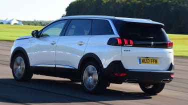 Peugeot 5008 - rear action
