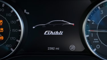 Maserati Ghibli Hybrid - dials