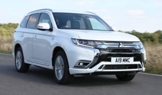 Lead new 2019 Mitsubishi Outlander PHEV