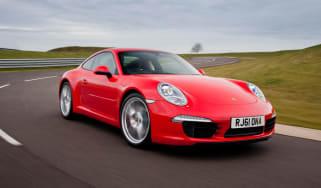 Porsche 911 Carrera S front tracking