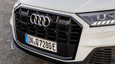 Audi Q7 60 TFSI e - grille