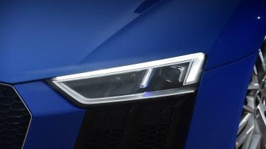 Audi R8 RWS - front light