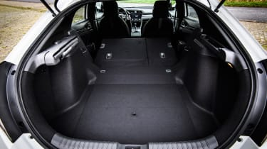 Honda Civic 2016 prototype - boot seats down