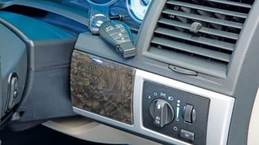 Chrysler Voyager plastics