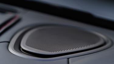 Aston Martin DB11 Volante - speaker