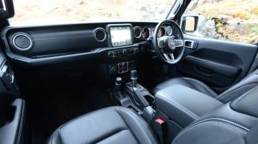 Jeep Wrangler - cabin