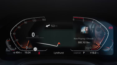 BMW 320d xDrive Touring - dials