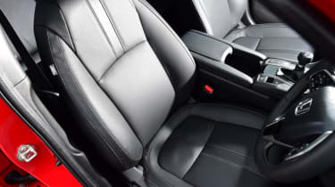 Honda Civic 1.0 - front seats
