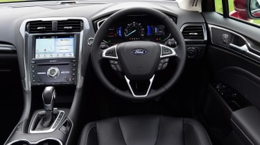 Ford Mondeo Hybrid Estate - dash