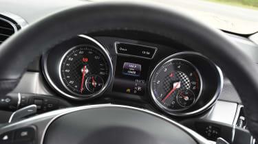 Mercedes GLE 350d - dials