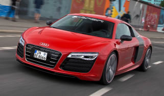 Audi R8 e-tron front tracking