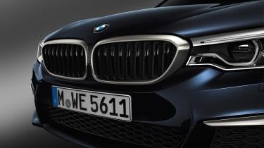 BMW M550d xDrive - grille
