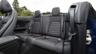 BMW 116d EfficientDynamics - side