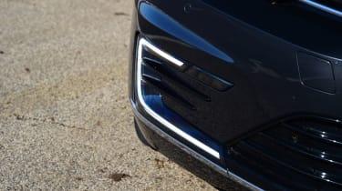 Volkswagen Passat GTE - headlight