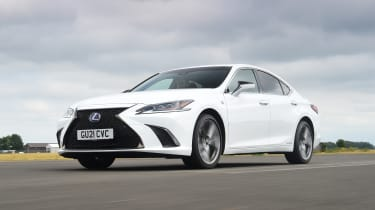 Lexus GS -front