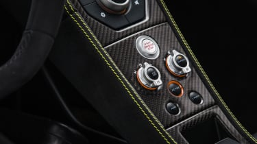 McLaren 675LT - interior detail