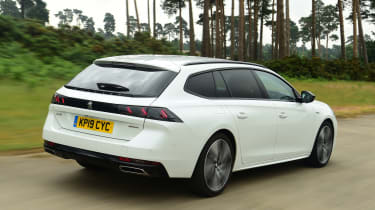 Peugeot 508 SW estate rear tracking