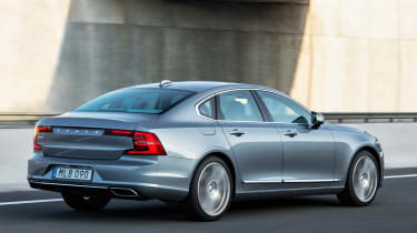 Volvo S90 saloon 2016 - rear tracking