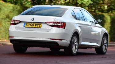 Skoda Superb 1.5 TSI - rear