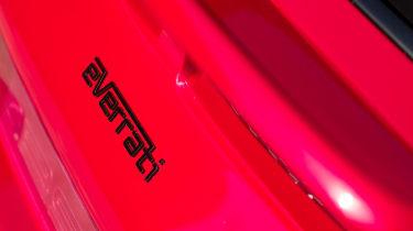 Porsche 911 Everrati - badge