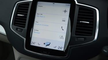Volvo XC90 screen