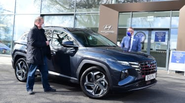 Hyundai Tucson Ultimate Hybrid - first report store