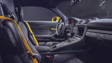 Porsche 718 Cayman GT4 - dash