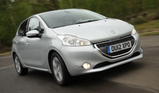 Peugeot 208 1.2 Active front tracking