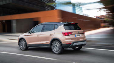SEAT Arona - rear tracking