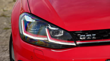 Volkswagen Golf GTI 2017 facelift red - headlight