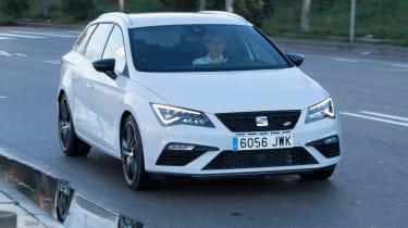 SEAT Leon ST Cupra 300 - front action