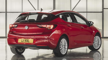 Vauxhall Astra 2019 facelift - rear 3/4 static