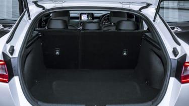 Kia Stinger 2.0 GT-Line - boot