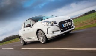 DS 3 hatchback 2016 review - front tracking