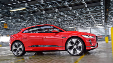 Jaguar I-Pace prototype 2017 - side tracking