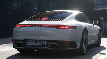 Porsche 911 Carrera 4 - rear tracking