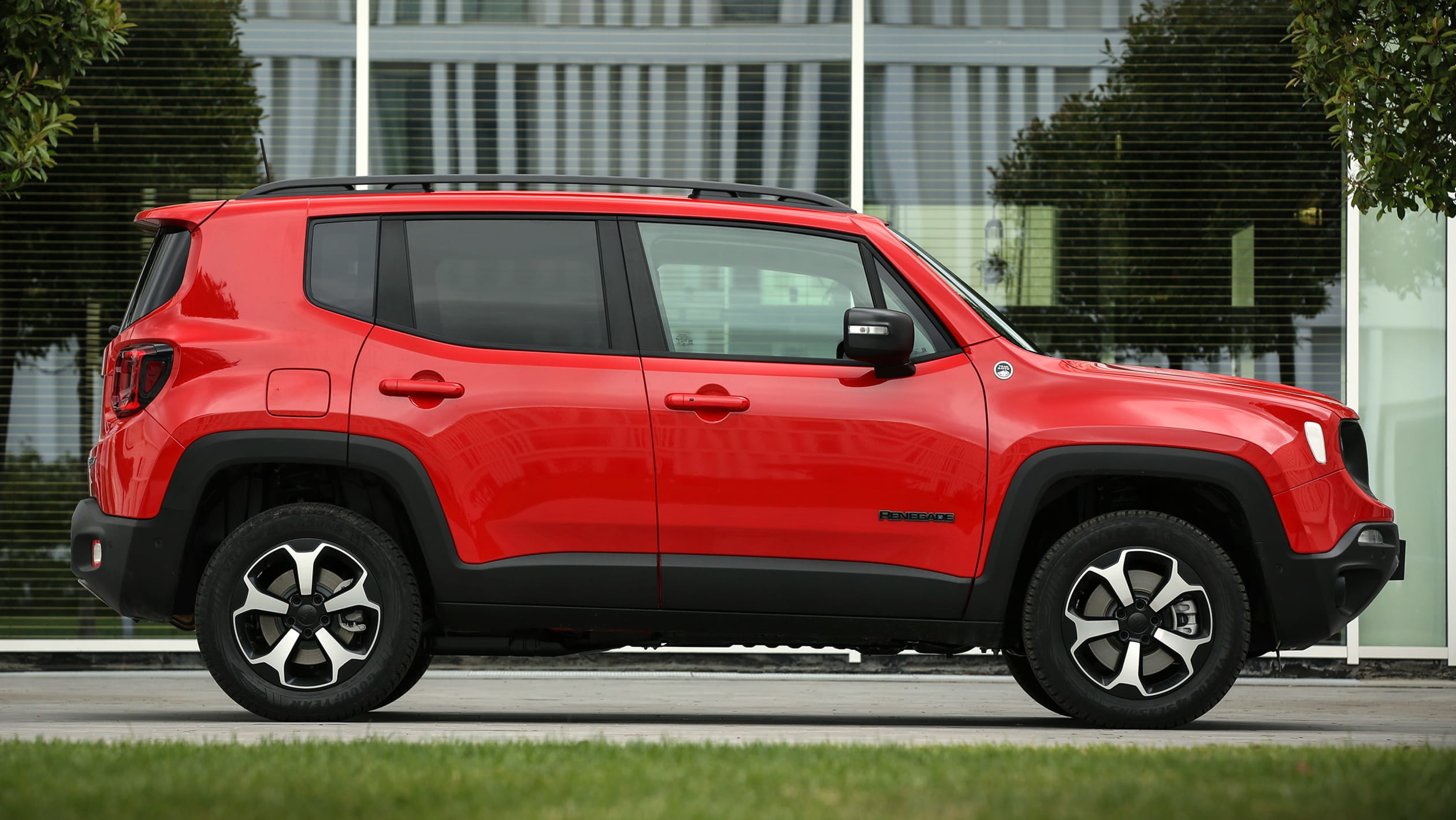 2014 - [Jeep] Renegade - Page 15 Jeep%20Renegade%204xe%202020-5