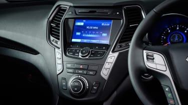 Used Hyundai Santa Fe - infotainment screen